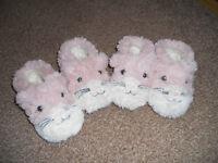 Girls fluffy cat slippers