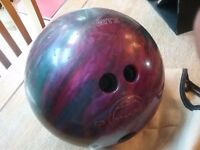 Ten pin bowling ball