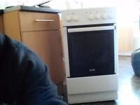 Electric cooker free standing
