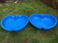 2 paddling pools/sand pits
