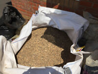 1 x Bulk Bag (Approx. 875Kg) 10mm Pea Gravel