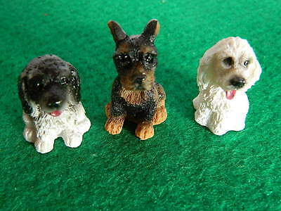(G5.10) DOLLS HOUSE RESIN SET OF THREE ASSORTED SMALL DOGS/PUPS