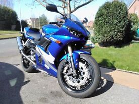YAMAHA R6 ABSOLUTELY MINT