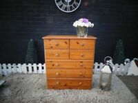 LARGE SOLID PINE CHEST OF DRAWERS WITH 7 DRAWERS SOLID SET AND IT'S IN VERY GOOD CONDITION