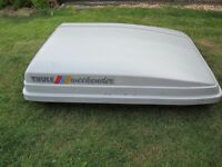 THULE ROOF BOX WEEKENDER 240 LITERS