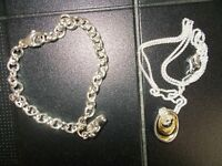 BRAND NEW gold & silver bracelett and necklace