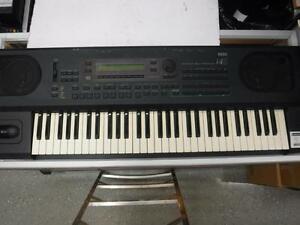 Vintage Korg i4s Synthesizer For Sale. We Sell Used Instrument. 104310.