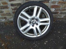 Jaguar wheel and tyre