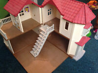 Sylvanian Families Beechwood house with bedroom and kitchen sets