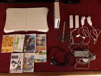 Nintendo Wii bundle - 7 games + 2 controllers
