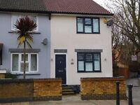 Large 2 bedroom House, 2 bathrooms, Large living area, 2 minute walk to South Bermondsey Station