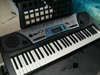 Yahama Keyboard and Stand