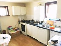 2 bedroom first floor flat - Romford Road