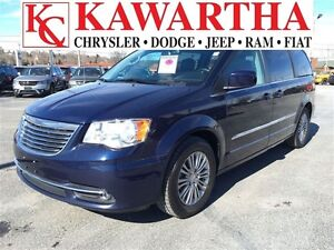 2016 Chrysler Town & Country TOURING L *DUAL DVD*BLUETOOTH*HEATE