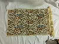 *CHARITY SALE* Vintage RUNNER -- in excellent condition!!