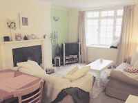 Lovely Seaside Ensuite Double Room in flat with 2 patios