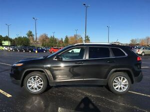 2014 Jeep Cherokee Limited 4x4/PANO ROOF/BACKUP CAM/HEATED LEATH