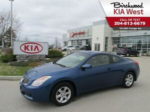 2009 Nissan Altima 2.5 S **COUPE FOR SUMMER**