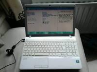 Laptop Sony vaio VPCEE2M1E Windows 7 160gb HDD 4GB RAM