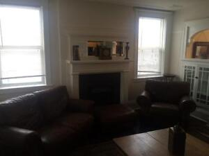 Amazing fully  furnished 4 bedroom ,2 bathroom multi suite Regina Regina Area image 6