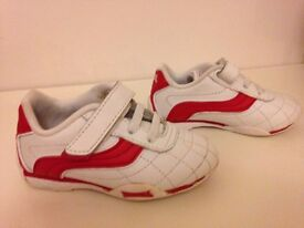 LONSDALE Boys White Leather Trainers, Indoor Football, Velcro, Infant Size 6