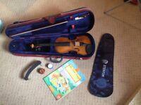 Stentor 4/4 Beginners Violin Package – Violin + Case + Extras