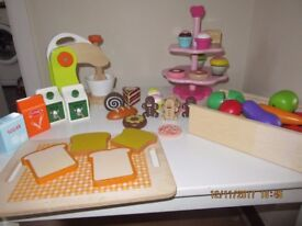 Bundle of Wooden Play Cakes & Fruit Items