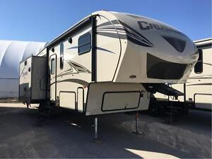 2016 Prime Time Manufacturing Crusader Lite Fifth Wheel 29RS