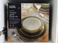 BRAND NEW STONEWARE 12 PIECE GARDA DINNER SET( 4 PLATES,SIDE PLATES,BOWLS EACH)