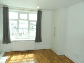 2 bedroom Fully Renovated Flat Peckham High Street