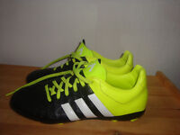 Adidas football stud boots boys/girls UK size 4, great condition
