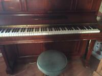 Piano free buyer to collect