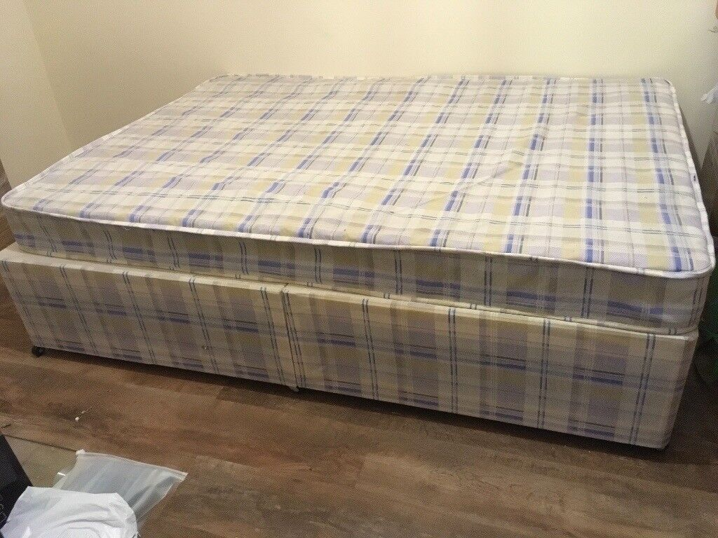 **REDUCED** £40 LOVELY BRAND NEW 4ft 6in DOUBLE DURA DIVAN BED