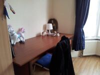 DOUBLE ROOM TO LET IN SEVENSISTERS - FULLY FURNISHED WITH WIFI 2MINS TO UNDERGROUND