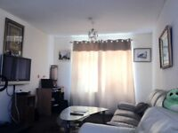Large Double Room For £300/Month Including Bills**Near To Shops & Bus Stops