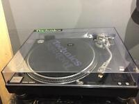 Technics 1210 m5g turntable