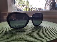 CHANEL quilted black sunglasses 5124