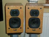 QUAD 11L Bookshelf Loud Speakers & Stands. collection £175 ono, used for sale  Evesham, Worcestershire