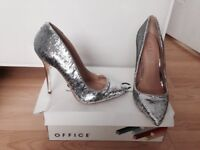 Office heels new in box size 5