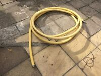10 metres of Omegaflex tracpipe for gas