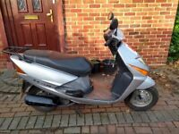 2006 Honda Lead 100 scooter, new 12 months MOT, runs good, new battery, bargain, not ps sh 125 ,,,