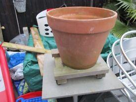 Terra Cotta plant pot 465mm dia & frame to move