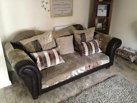 3 Seater & 2 Seater Suite (Brown/Cream/Gold Design) Immaculate Condition