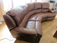 4 seater curved brown leather settee with 2 recliners