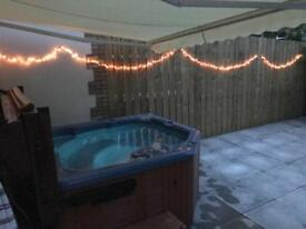 Hot tub for sale 4-6 seater