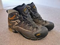 Asolo Flame GTX hiking boots - size 10
