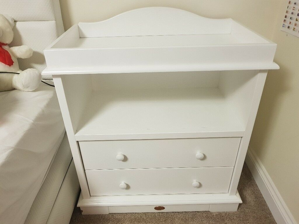 Boori  Drawer Dresser With Arched Changing Station White Oak Very Solid Good