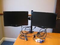 TWIN VIEWSONIC COMPUTER MONITORS WITH TWIN MOUNTS EXCELLENT CONDITION