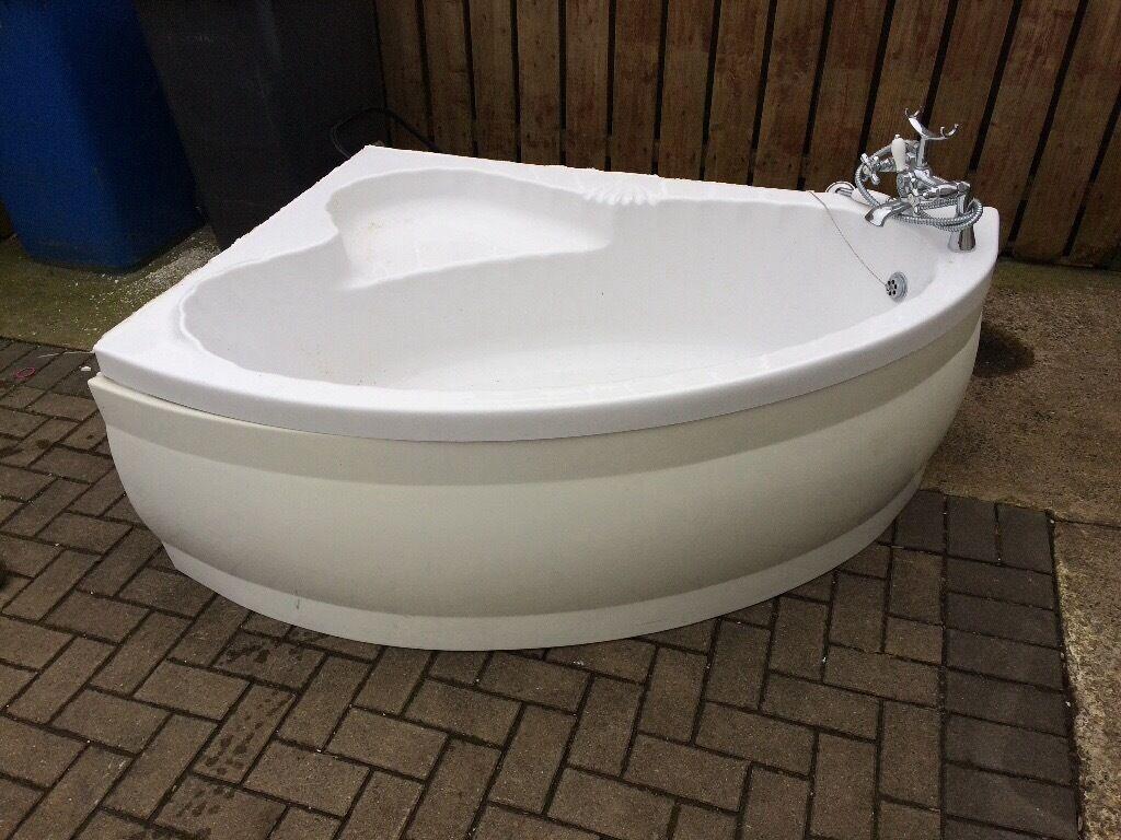 Corner bath for sale | in Coleraine, County Londonderry | Gumtree