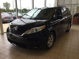 2017 Toyota Sienna LE 8 passagers *273, 85$/2 semaines tx incl.*